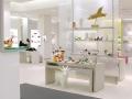 white_retail_display